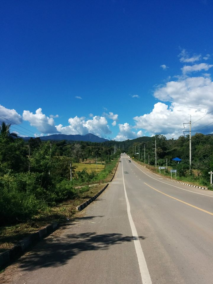 Road from Chiang Mai to Pai in Northern Thailand